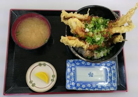 10.ジャンボ穴子天丼の写真