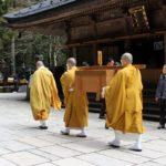 高野山奥之院で毎朝行われる 生身供 を見に行こう! 夏の朝駆けツーリングおすすめスポット