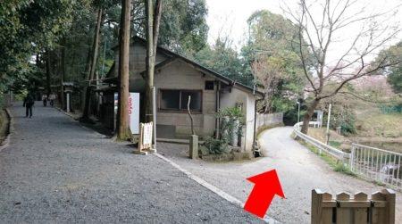 03.狭井神社への参道