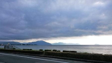 04.ドス黒い空模様の写真