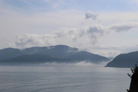 08.幻想的な日本海の写真