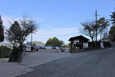 13.曾爾高原 駐車場の写真