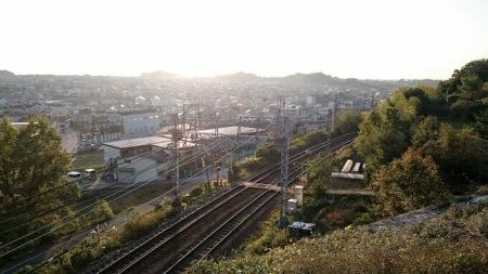 02.夕日の中の線路