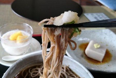 11.蕎麦と大根おろしの写真