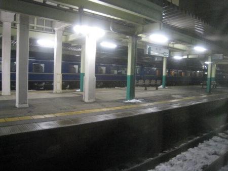 01.夜汽車からの幻想的な夜景の写真