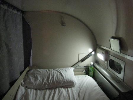 12.A寝台上段の写真