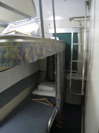 41.一列のB寝台の写真