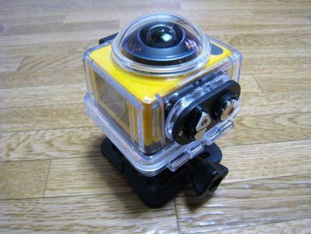 05.防水ケース装着時のSP360の写真