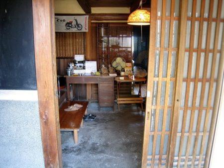 09.酪農カフェ酪入口の写真2