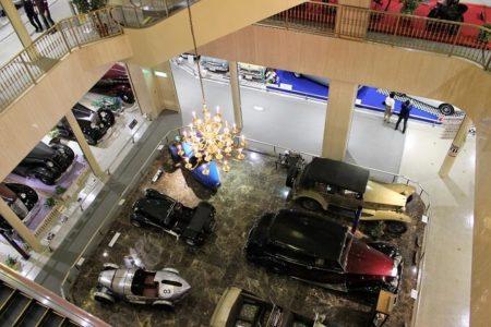 12中央フロア3階から見下ろした感じの写真