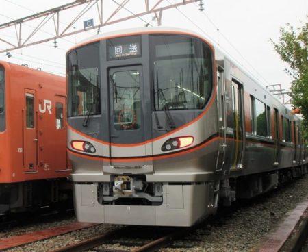 21.323系新型車両の写真