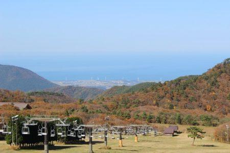 02.大山北側から見下ろす日本海の写真