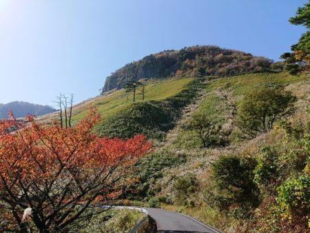 05.船上山の屏風岩の写真