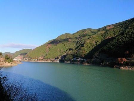 02.ダム湖の写真