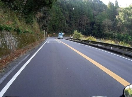 05.県道63号線(山間部)の写真