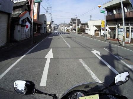 06.県道63号線(街部)の写真