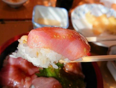 18.大トロ丼の写真(2)
