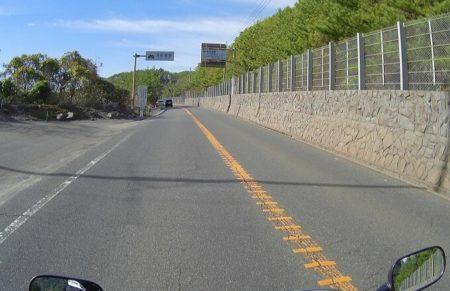 02.桜島(国道沿い)の道の写真