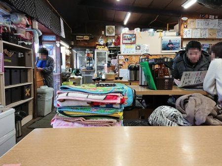 09.満幸商店店内の写真