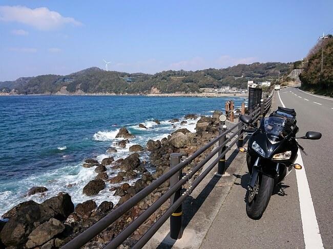 01.県道20号線の写真