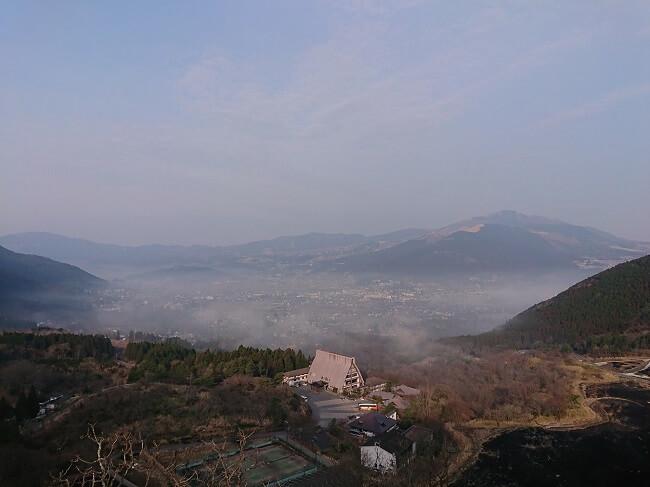 08.うっすら見えた朝霧の写真