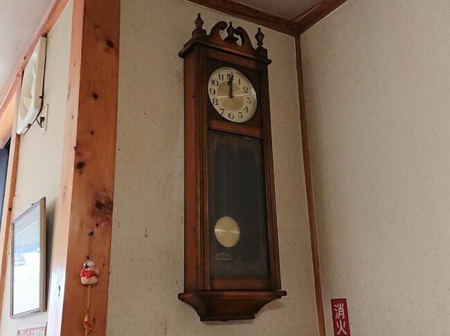 10.柱時計の写真