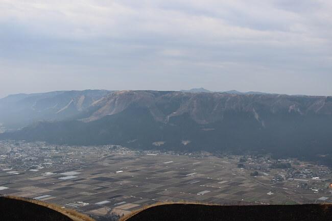 23.外輪山の写真