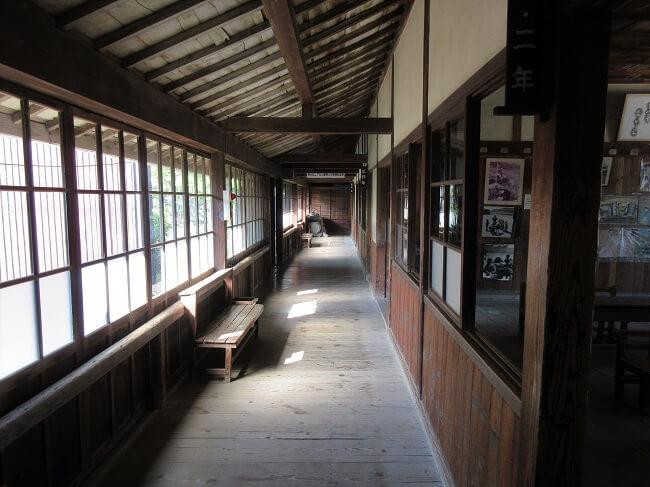 05.分教場の廊下の写真