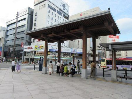 21.善光寺行きバス乗り場の写真