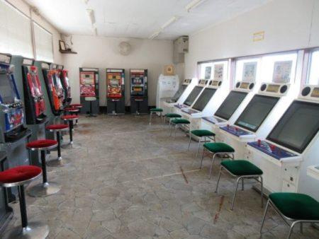 30.ダルマのゲーム機の写真