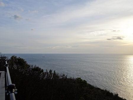 灯台から見える海の景色の写真
