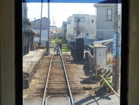 終点の西御坊駅へ到着する寸前の写真