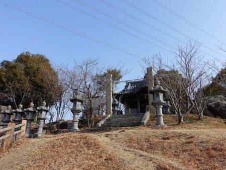 木庭神社の写真(周りから)