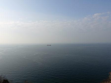 小赤壁 海に向かって中央の写真
