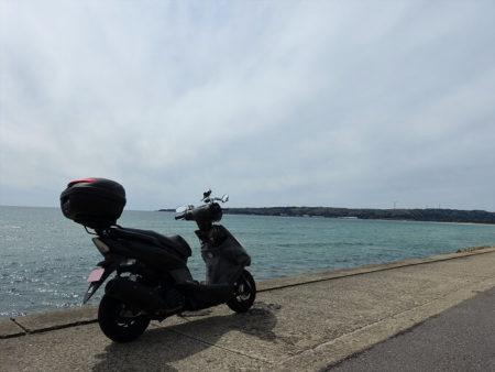 良さげな海岸線とGTRaeroの写真