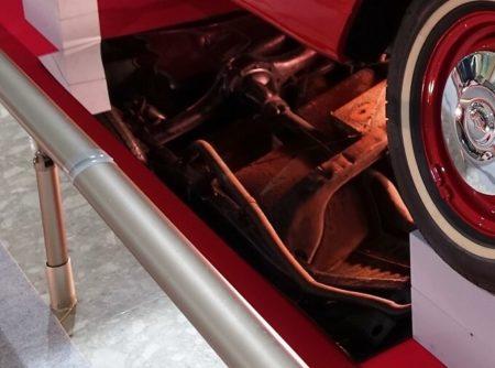 車両底面の写真