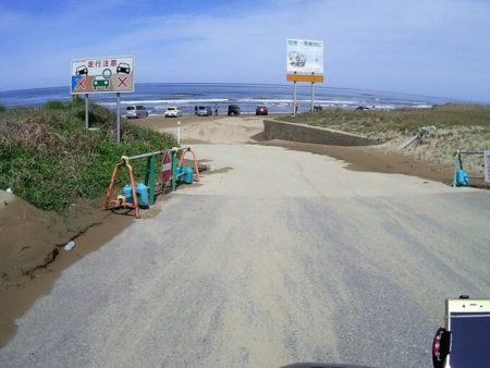 千里浜なぎさドライブウェイへ入る写真