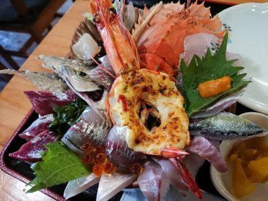 塩湯の海鮮丼の写真