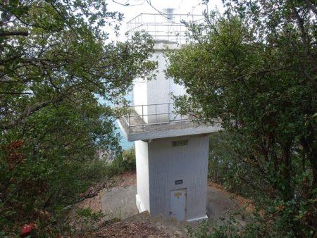 最西端にある紀伊宮崎ノ鼻灯台の写真