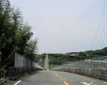 ジェットコースターの路の写真(長い坂バージョン)