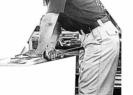 腰きさげの作業姿勢の写真