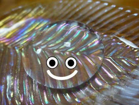水まる餅にスライムの目を付けた写真