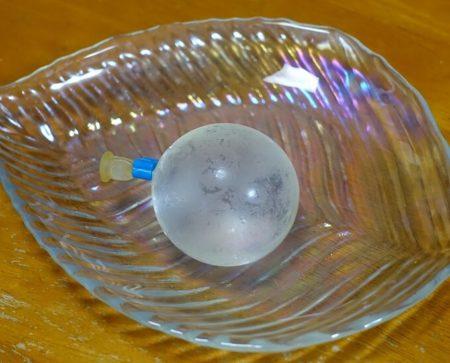 水風船の様な水まる餅が入る風船の写真